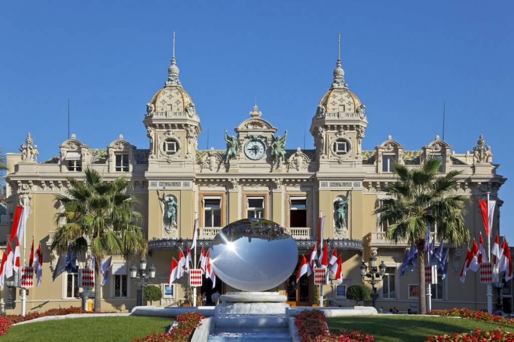 Le-Casino-de-Monte-carlo--Monaco-une-destination-d'exception--Héli-Events-Voyages