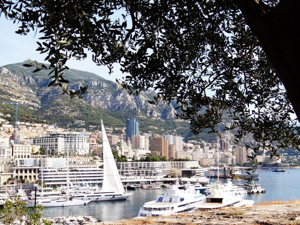 Le-port-de-Monaco-Monaco-une-destination-d'exception-Héli-Events-Voyages.jp