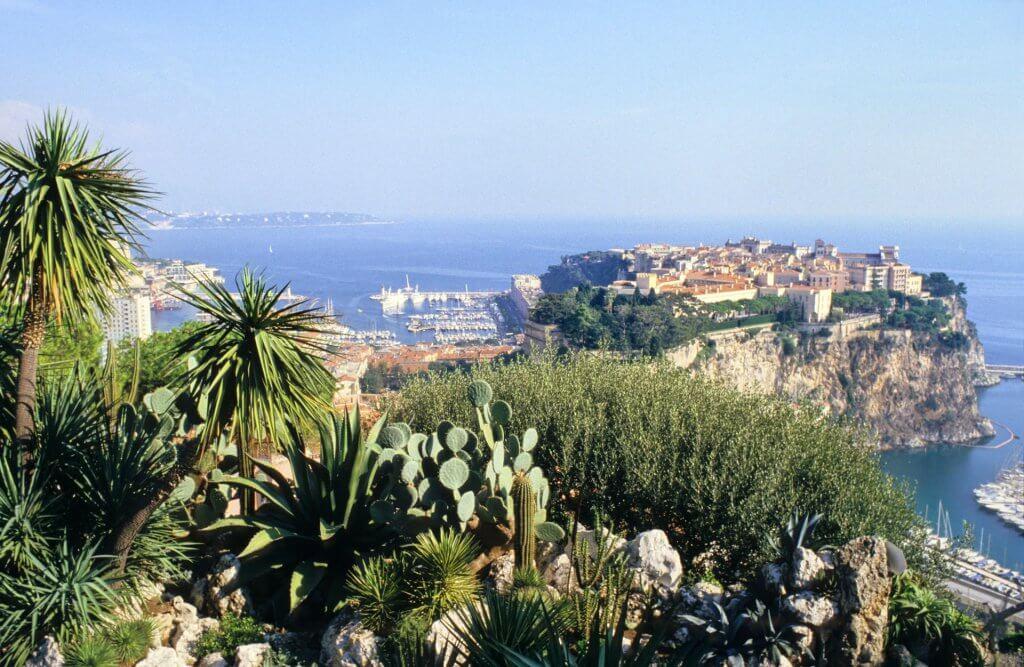 Monaco-vue-du-Jardin-Exotique--Faune-et-Flore-de-Monaco--Monaco-une-destination-d'exception-Héli-Events-Voyages.jp